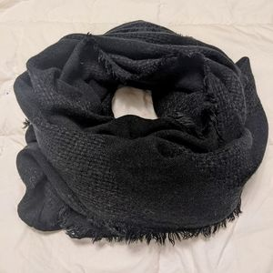 GARAGE light weight blanket scarf in black